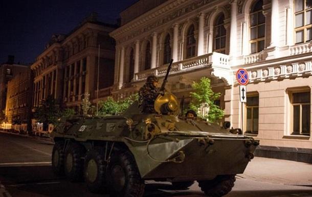 В Киеве ночью проводили учения на БТР