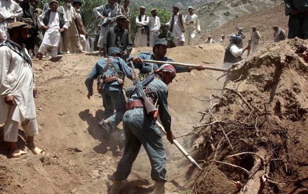 В Афганистане сошел оползень, сотни пропали без вести