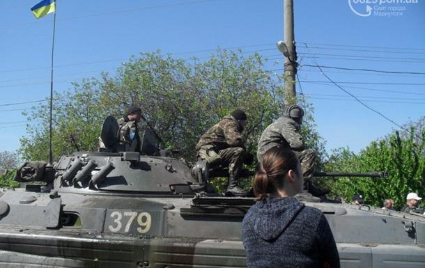 В направлении Мариуполя движется колонна военной техники - СМИ