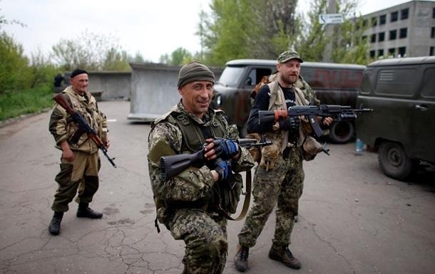 Почти 60% украинцев считают, что беспорядки на Востоке организовывают спецслужбы РФ - опрос