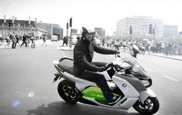 BMW выпустила первый электрический скутер