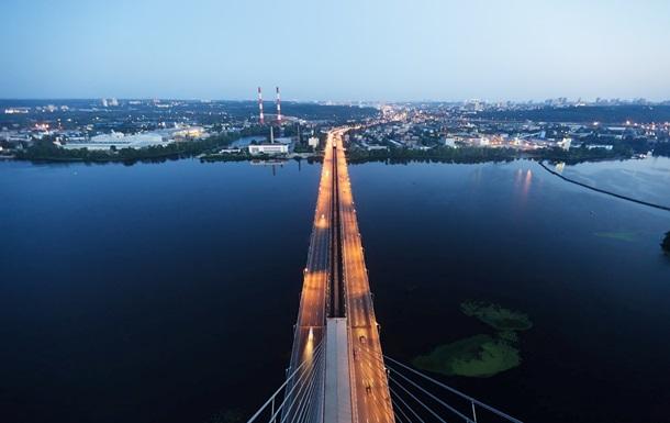 В Киеве ночью ограничат передвижение на Южном мосту