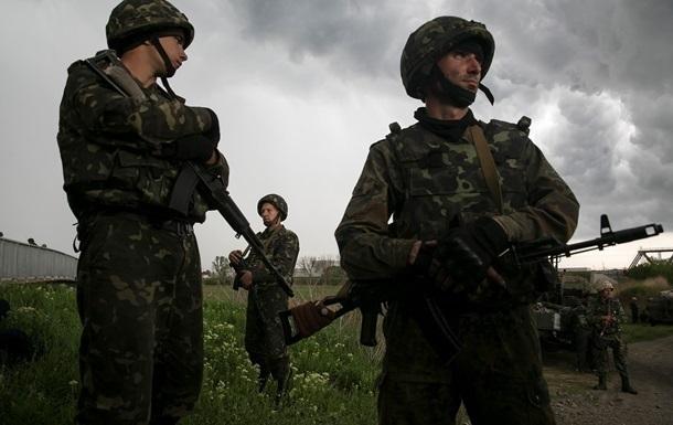 Ополченцы Славянска обстреляли Нацгвардию из орудия БМД