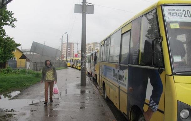Ивано-франковские перевозчики объявили забастовку
