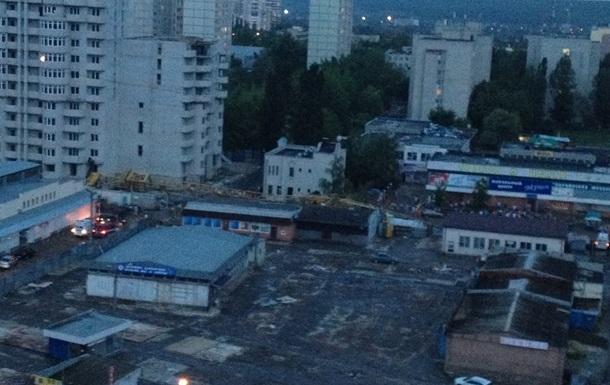 В Харькове на людей упал строительный кран: один человек погиб, 5 пострадали