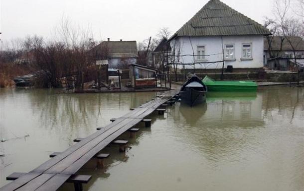 Сильные ливни на Львовщине: подтоплено более тысячи домов, размыты ж/д пути
