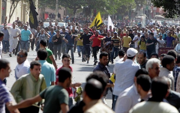 Египетский суд признал 169 сторонников Мурси невиновными в беспорядках