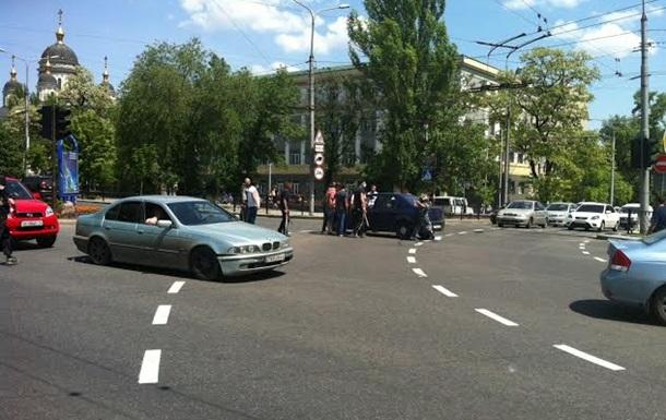 Сторонники ДНР с битами напали на участников акции Ахметова