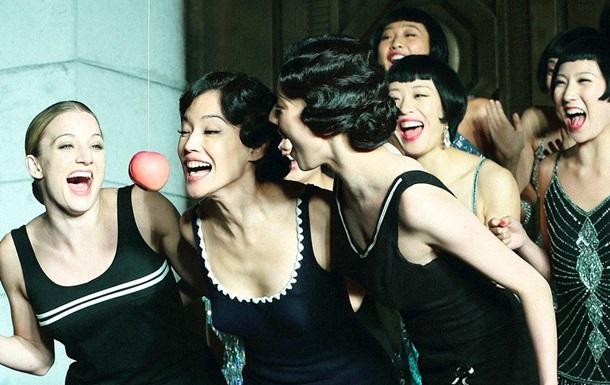 Джорджио Aрмани создал костюмы для китайского фильма Унесенные пулями