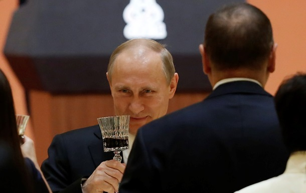 Главные фото 21 мая: сделка Путина с китайцами и пререкания ДНР с Ахметовым