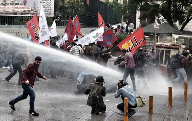 В Стамбуле произошло столкновение манифестантов с полицией