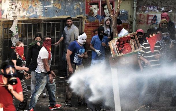 Стрельба и взрывы на митингах в Стамбуле: двое погибших