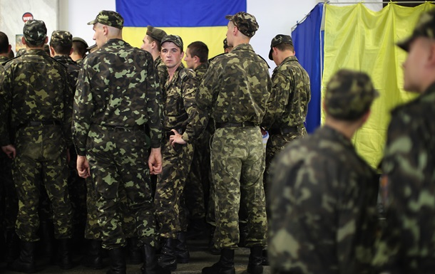 На избирательных участках Киева начали выстраиваться очереди
