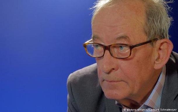 Каспер Кёниг: России надо беречь себя от промывания мозгов