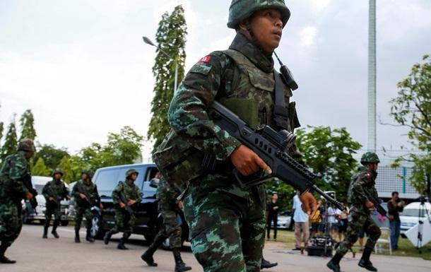 В Бангкоке начались акции протеста против новой власти