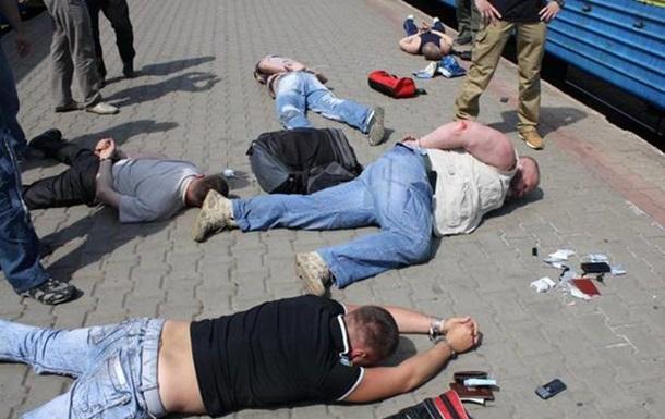 СБУ задержала восемь человек, которые подозреваются в планировании терактов в Украине