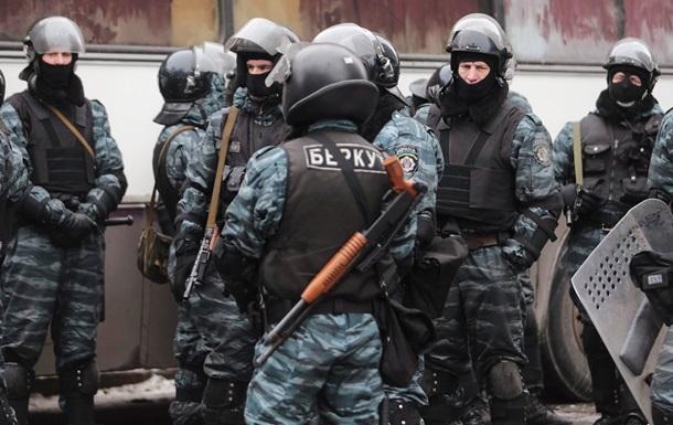 Десять бывших сотрудников Беркута приняли присягу МВД России