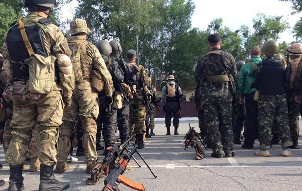 Второй батальон Нацгвардии заступил на боевые посты вокруг Славянска