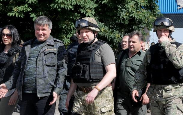 Турчинов на блокпосту под Славянском