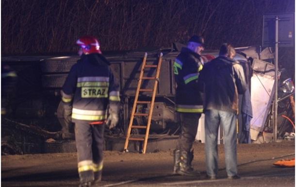 Украинский автобус попал в ДТП в Польше, семь человек погибли