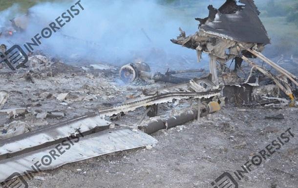 Летчики сбитого самолета ценой своей жизни отвели его от Славянска - Минобороны