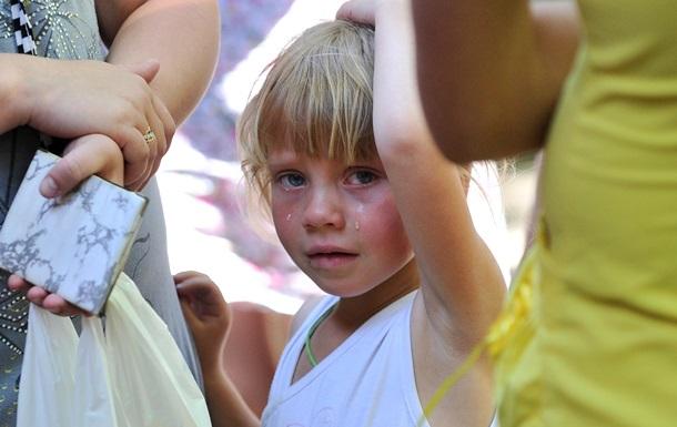 Медведев распорядился оказать гуманитарную помощь беженцам из Украины