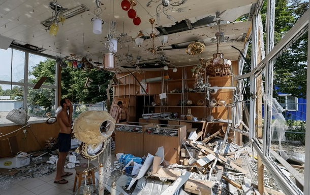 Обстрелянный Славянск сегодня: фоторепортаж
