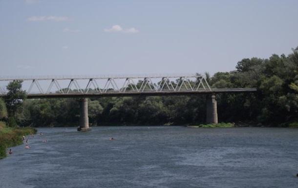 В Станице Луганской взорван автомобильный мост – СМИ