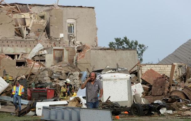Двойной торнадо разрушил город в США