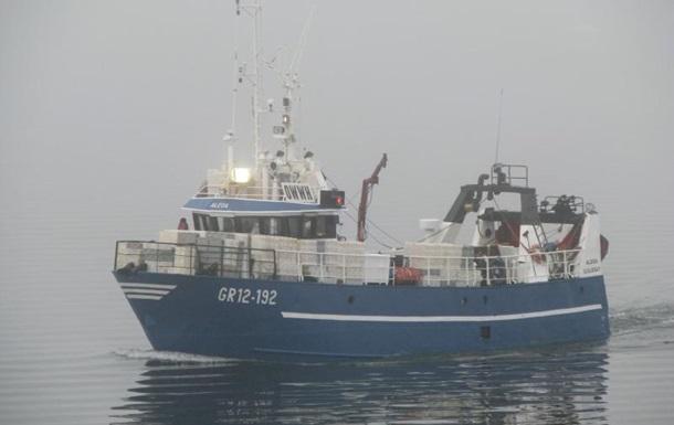 Возле Малайзии затонуло пассажирское судно, почти 70 человек пропали без вести