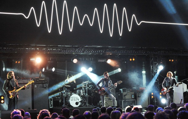 YouTube удалит видеоклипы Адель, Arctic Monkeys и других независимых артистов