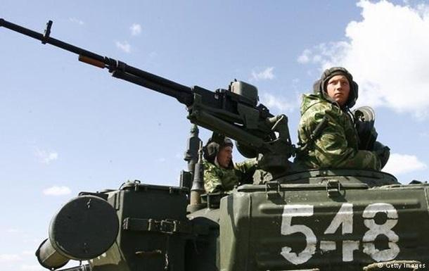 Киев требует от Москвы объяснить цель усиления военного присутствия вблизи общей границы