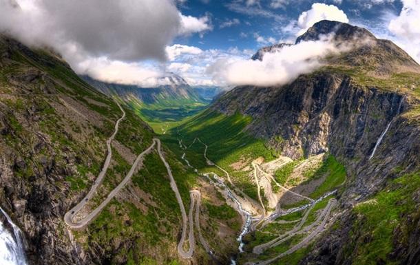 Через серпантины и Атлантику. Названы самые живописные дороги мира