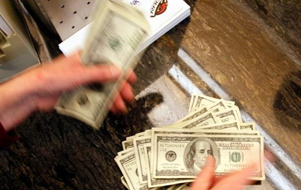 Межбанк открылся долларом по 11,98 гривен