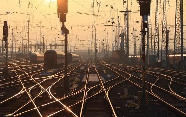 На Донбассе за ночь шесть раз взрывали железную дорогу