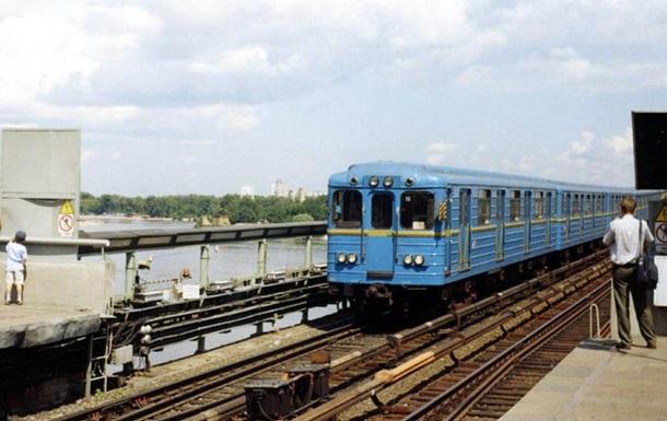 В киевском метро мужчина упал на рельсы