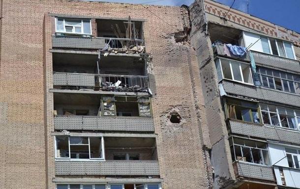 В жилой дом в Славянске попал снаряд, погибла женщина