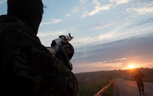По опорным пунктам сепаратистов наносятся авиационные и артиллерийские удары - Тымчук