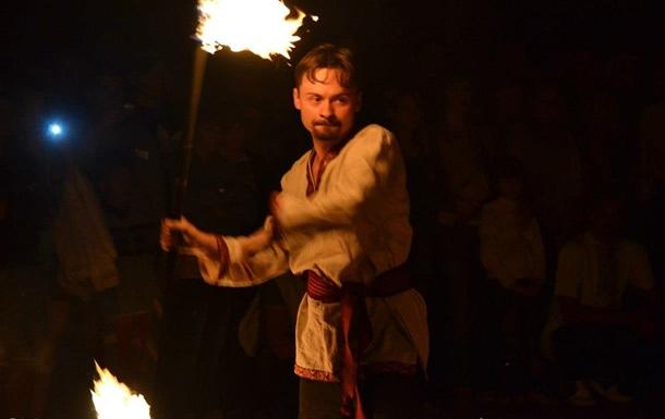 Лицарі і фаєр-шоу «запалили» на День молоді