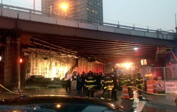 В Нью-Йорке обрушилась часть Бруклинского моста, пострадали пять человек