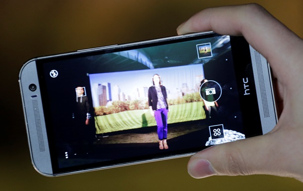 Главное отличие HTC One (M8) Dual SIM в наличии двух слотов под SIM-карты