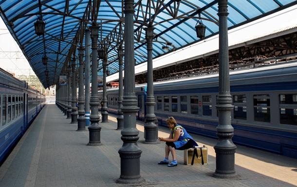 Россия пустит поезда в Крым в обход Украины в августе