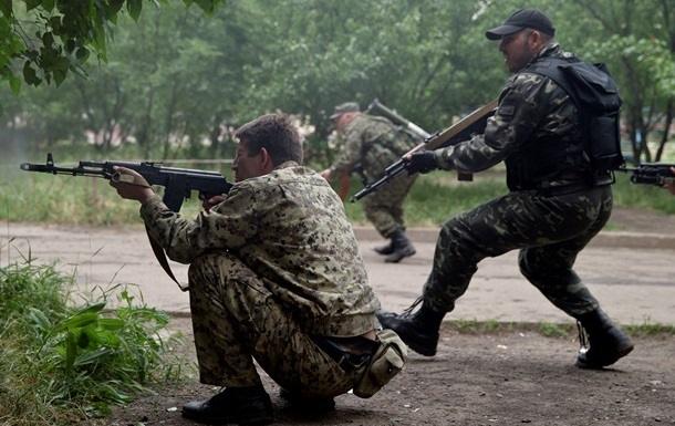 СМИ: Между Краматорском и Славянском идет бой с участием силовиков и  ополченцев