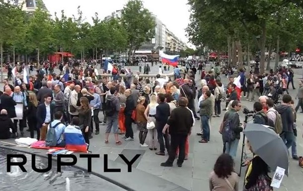 Парижане требуют прекратить  геноцид  на Донбассе - репортаж