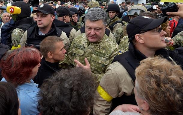 """Итоги 8 июля: Порошенко съездил в Славянск, а Стрелков стал """"главнокомандующим"""""""