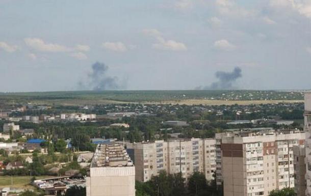 За Луганский аэропорт идет бой, в городе включили сирену - соцсети