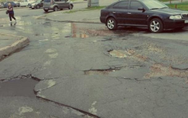В Киеве составили Топ-10 улиц с худшими дорогами