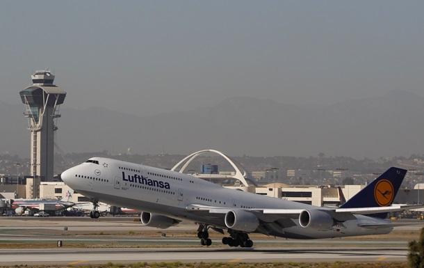 Из-за урагана во Франкфурте-на-Майне сотни пассажиров застряли в аэропорту