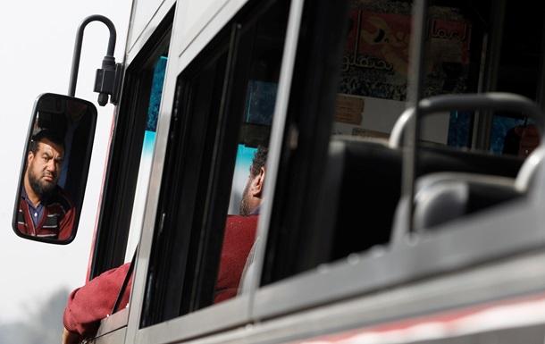 В Египете водитель автобуса изнасиловал туристку из России