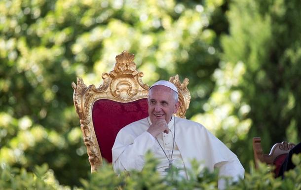 Папа Франциск: Я найду решение проблемы целибата